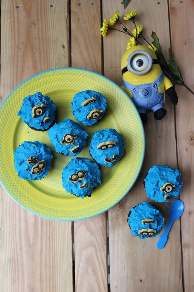 how to make minion cupcake toppers