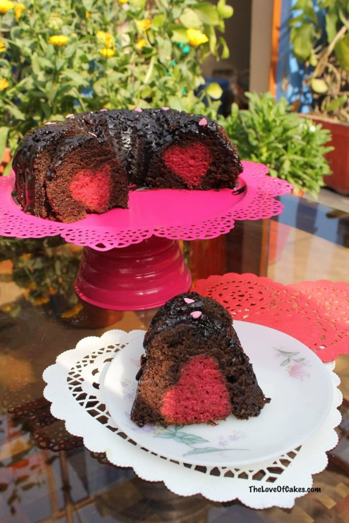 chocolate bundt cake with strawberry