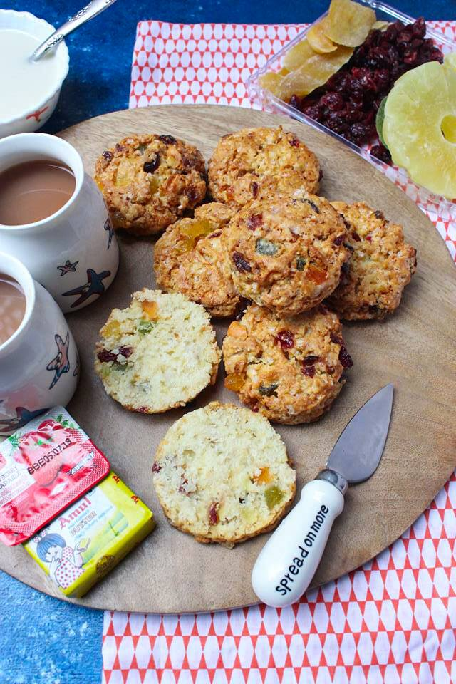 Round Fruit Scones with jam and butter